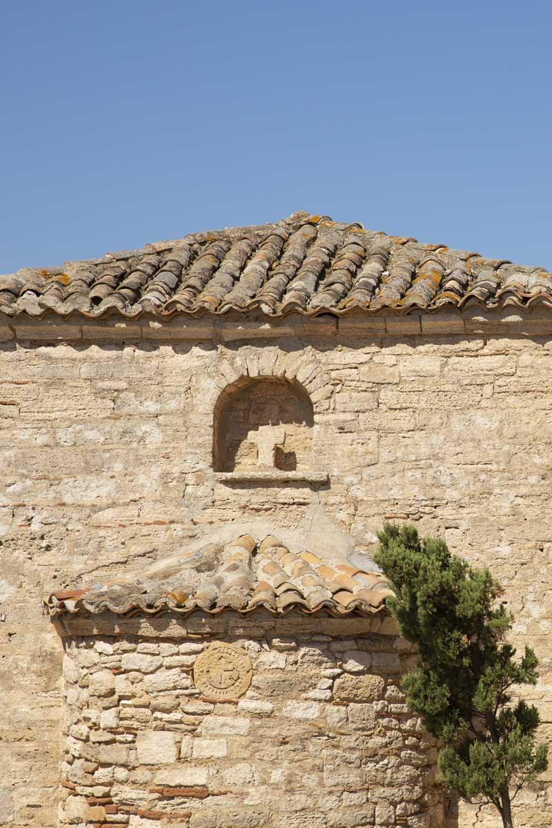 Petite église sur la péninsule de Kassandra en Grèce