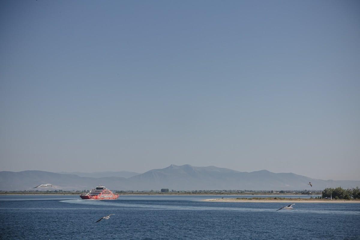 Ferry pour Thassos, une île grecque située au large de Kavala