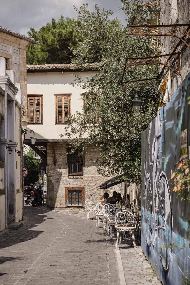 Terrasse dans la vieille ville de Xanthi - Grèce