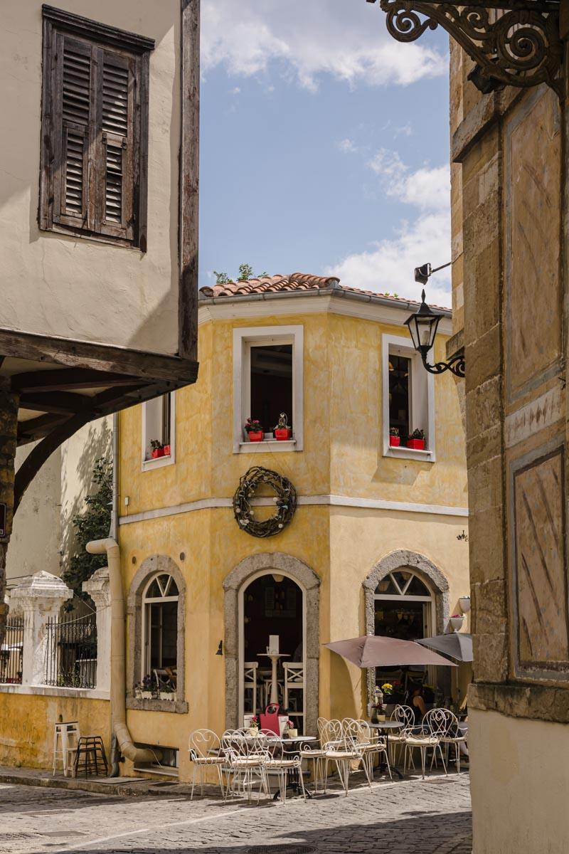 Belle façade dans la vieille ville de Xanthi