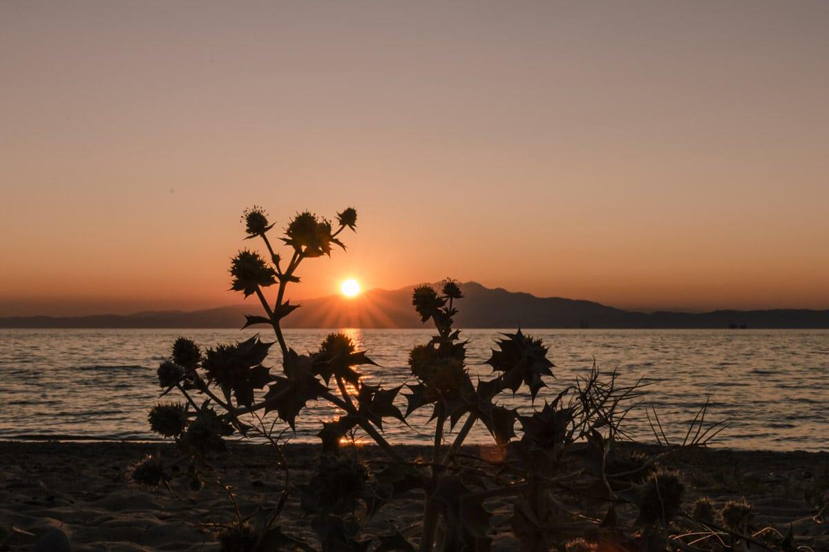 Coucher de soleil sur l'île de Thassos en Grèce
