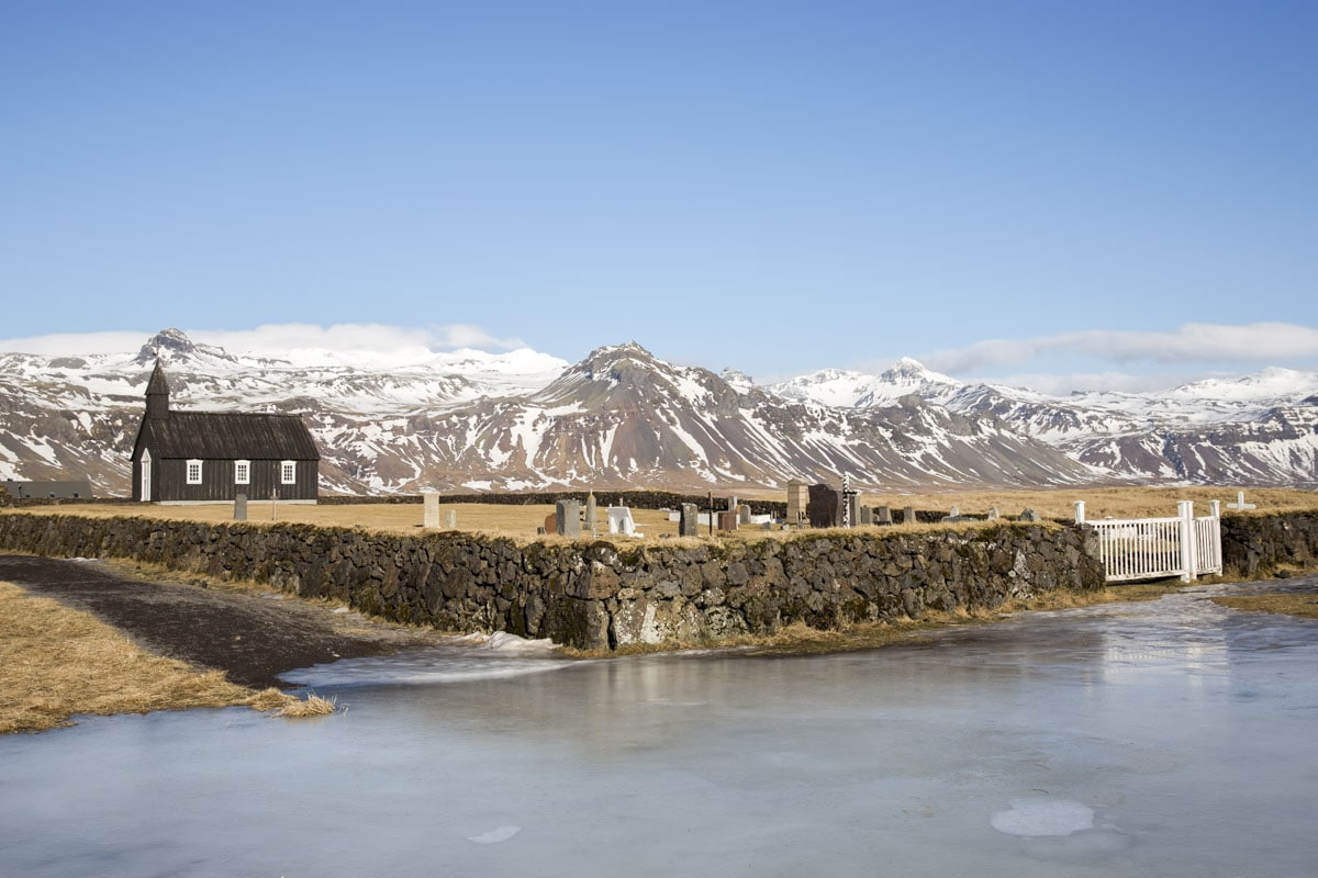 Eglise noire sur la Péninsule de Snæfellsnes en Islande