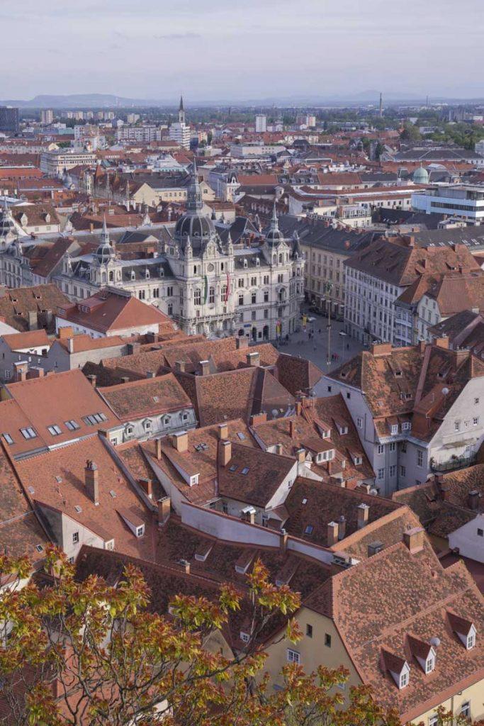 L'hotel de ville de Graz vu de Schlossberg