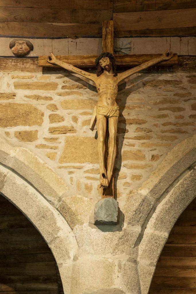 Le Christ de la chapelle de Trémalo qui a inspiré Paul Gauguin pour son Christ Jaune