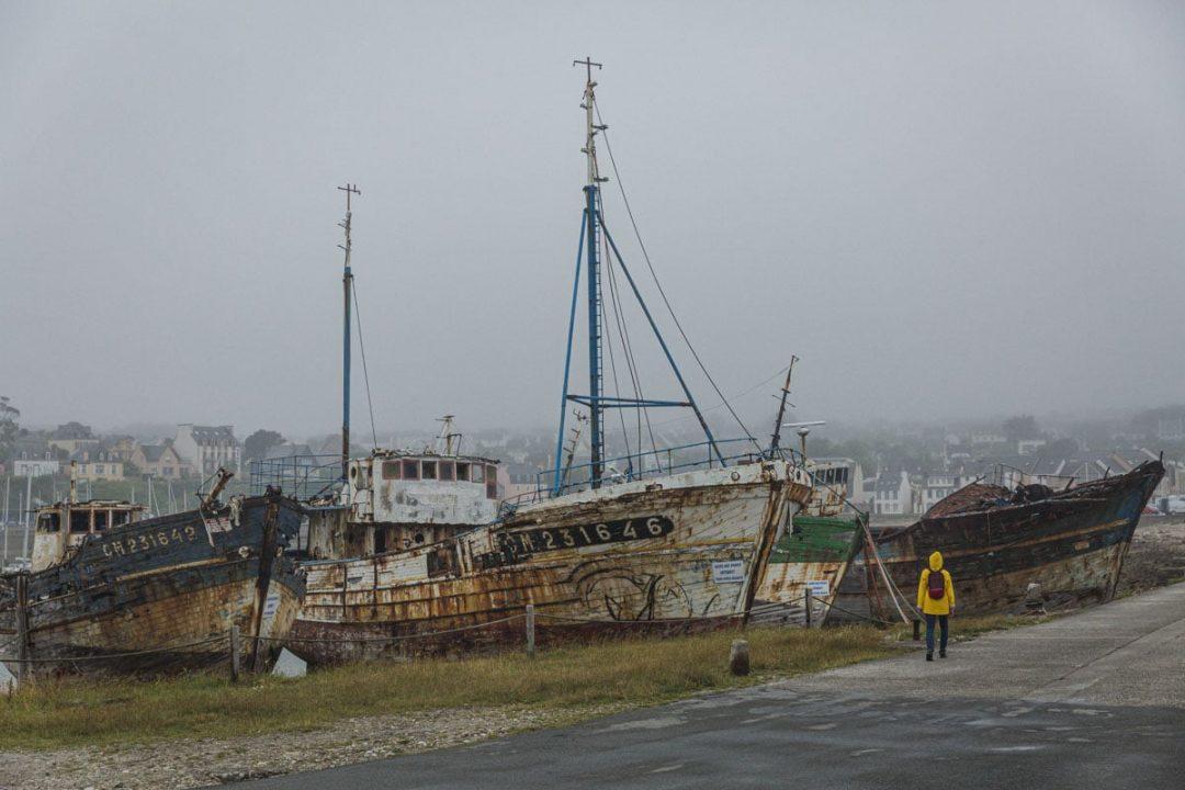 Cimetière à bateaux de Camaret sur mer dans le Finsitère sud