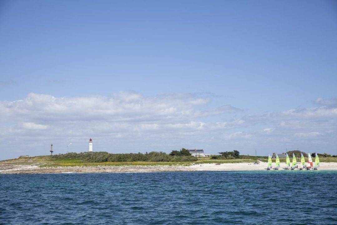 Phare de Penfret sur l'archipel des Glénan dans le sud du Finistere