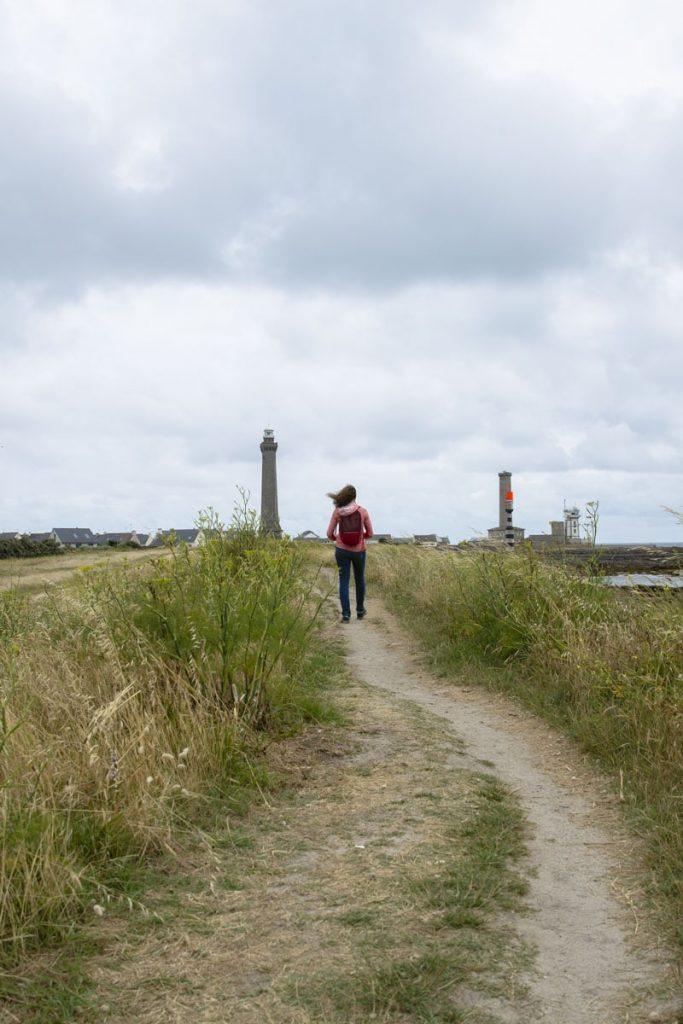 Randonnée sur le sentier du littoral  à la pointe de Penmarc'h dans le sud du Finistère