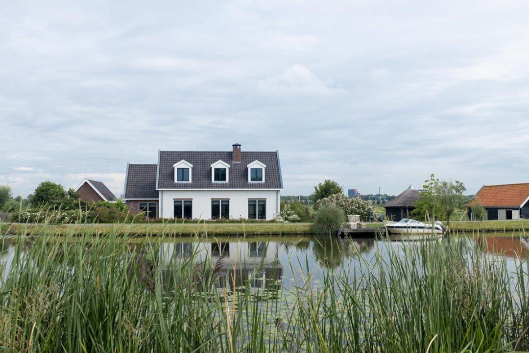 Maison sur les canaux près d'Amsterdam