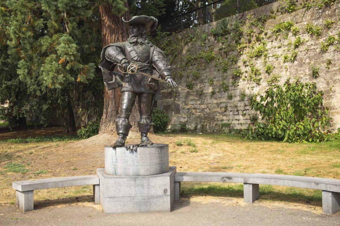 Un pour tous, tous pour un, la statue de d'Artagnan à Maastricht