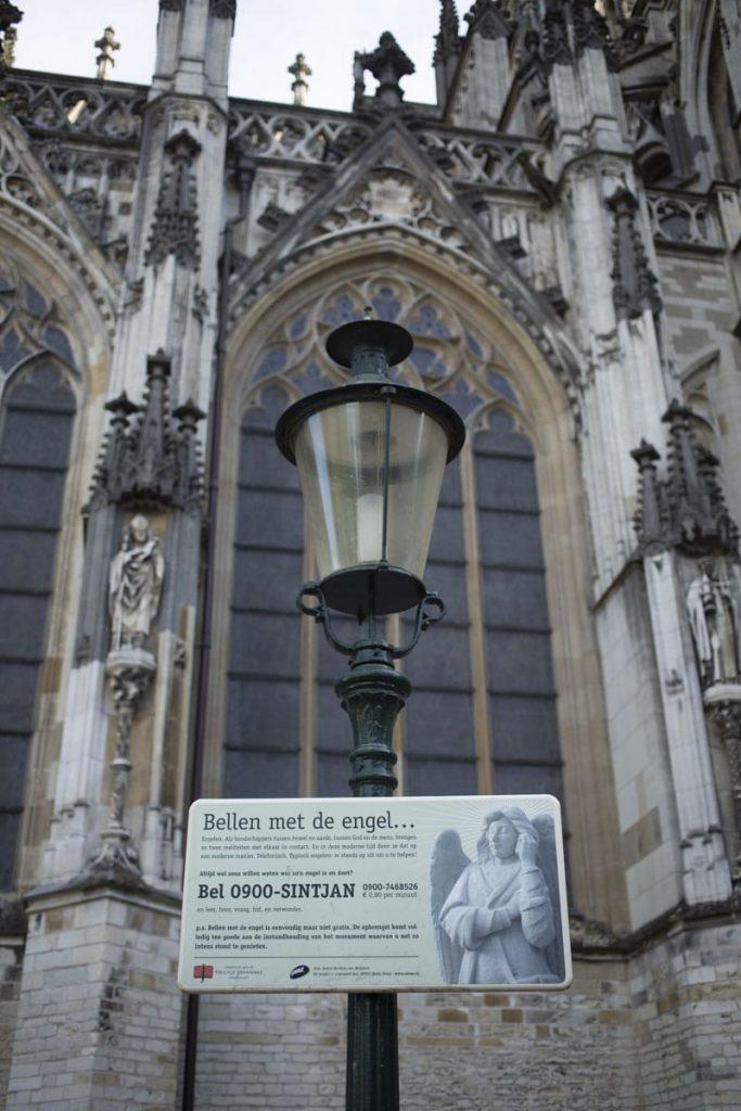 A la cathédrale de Bois-le-duc, il est possible de téléphoner à un ange